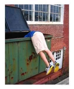 Dumpster-Diving-C11776543